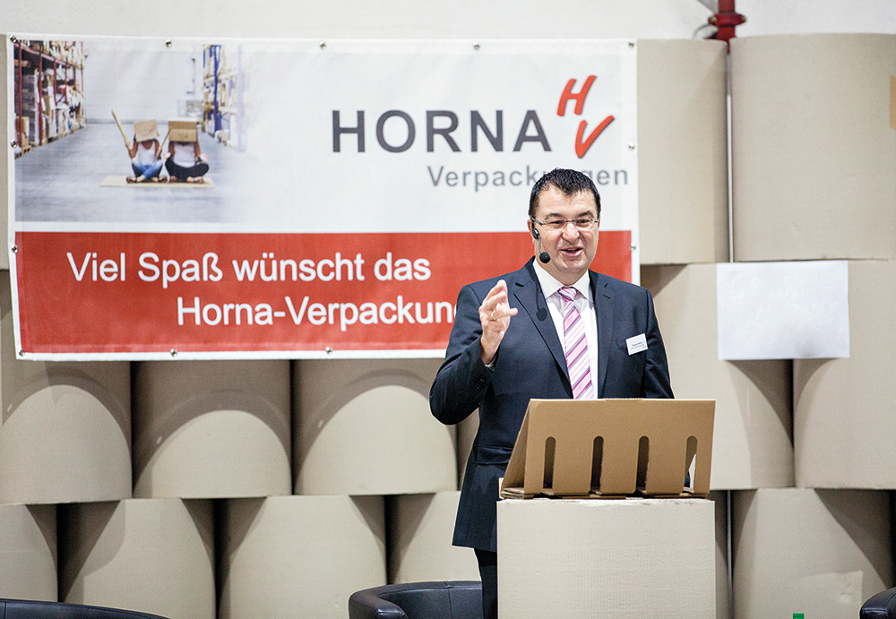 Thomas_Horna_Podium.jpg